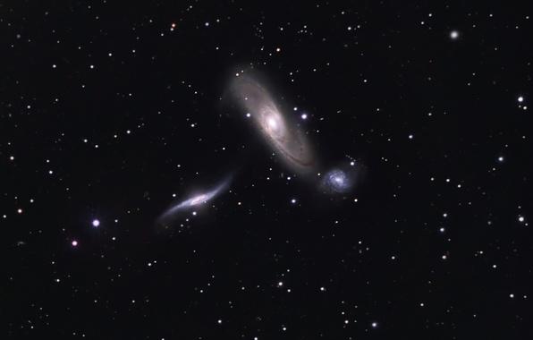 Picture space, nebula, NGC 5569, NGC 5566, NGC 5560