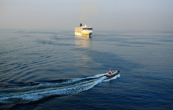 Picture sea, boat, Italy, liner, Italy, The Bay of Naples, Norwegian Spirit, Gulf of Naples