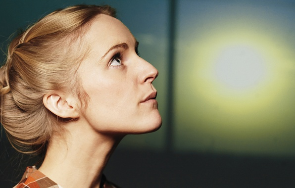 Picture eyes, look, girl, the sun, dawn, window, blonde, braid, singer, Agnes Obel