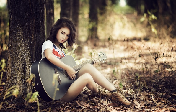 Picture girl, guitar, Asian