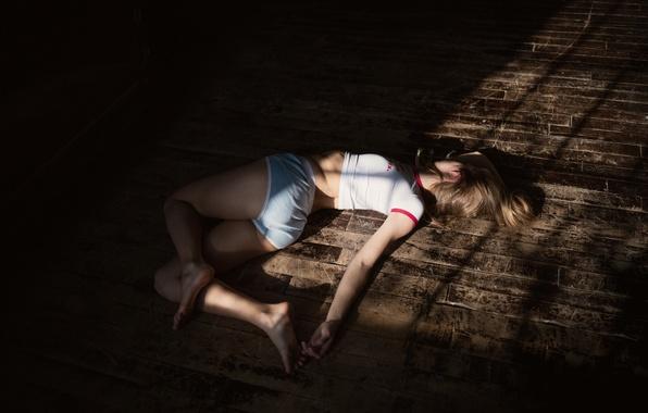 Picture girl, floor, lies, Marta