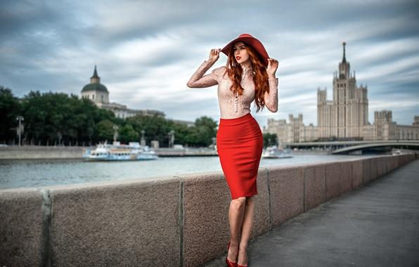 Picture girl, bridge, the city, river, skirt, portrait, hat, figure, shoes, grace, red, shirt, legs, MSU, …