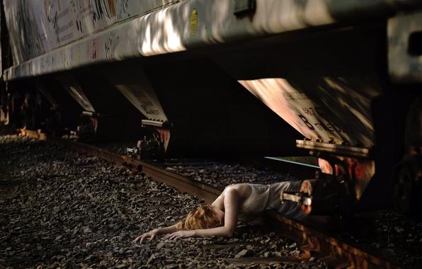 Picture girl, train, railroad