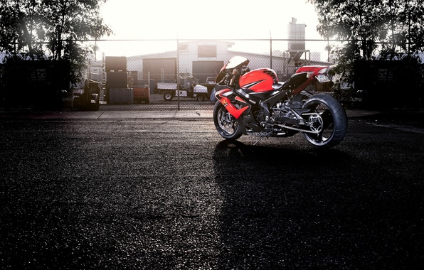 Picture the sky, trees, red, the fence, motorcycle, red, suzuki, rear view, bike, Suzuki, supersport, gsx-r1000