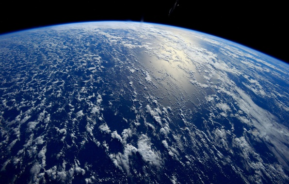 Picture space, the ocean, earth