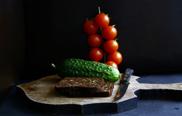 Picture food, cucumber, bread, knife, tomatoes