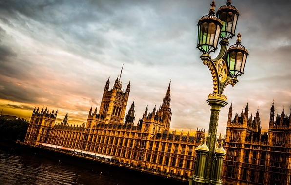 Picture the sky, clouds, the city, river, England, London, the evening, lantern, UK, Thames, The Palace …