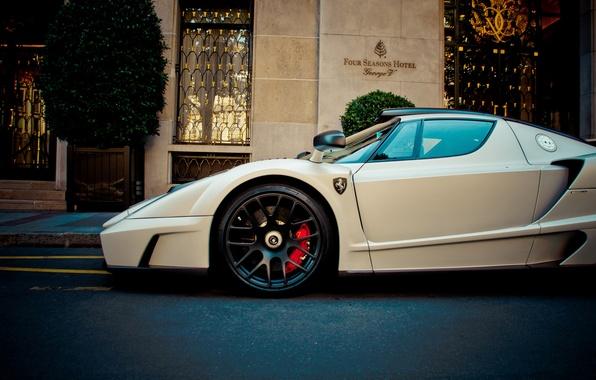 Picture Ferrari, white, supercar, enzo, front, hotel, gemballa