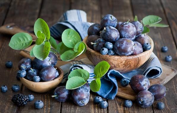 Picture berries, leaves, plum, blueberries