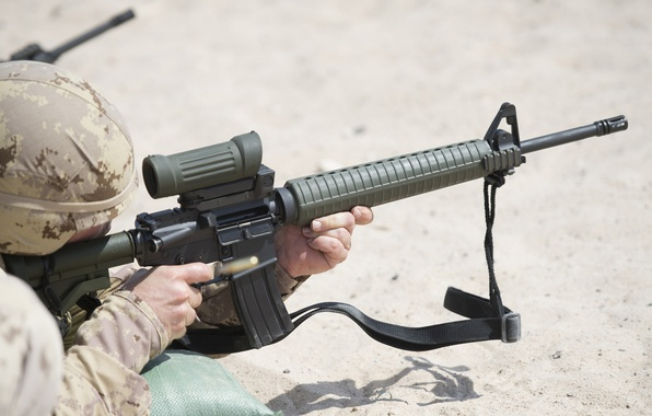 Picture weapons, soldiers, training, Canadian Army