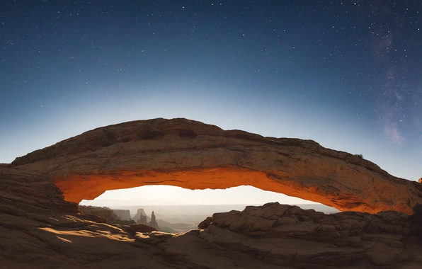 Picture Mesa Arch, rocks, Canyonlands National Park