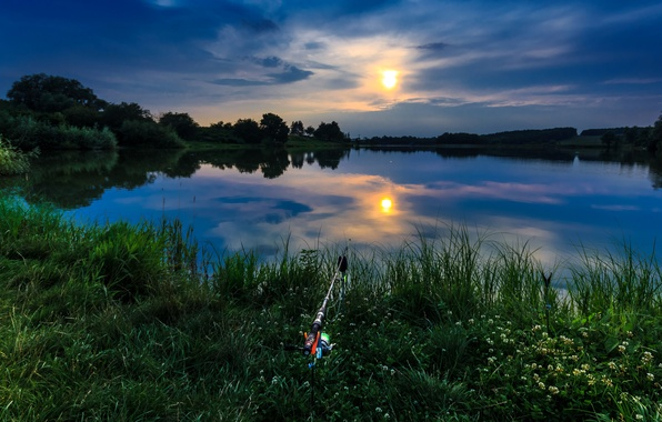 Picture summer, the sky, grass, the sun, clouds, river, shore, fishing, rod