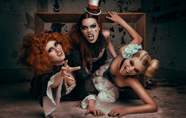 Picture girls, anger, makeup, teeth, art, costumes, adventure, cries, Frame me