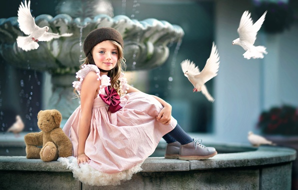 Photo wallpaper bear, pigeons, girl, Ashlyn Mae, Courtyard Beauty