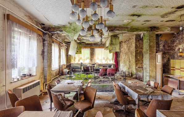Picture room, Windows, chairs, door, tables, curtains, mess, mucus, sunlight, chandeliers, refused