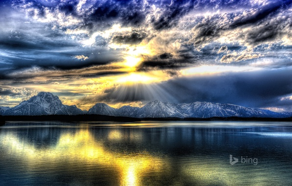 Picture the sky, clouds, rays, mountains, lake, USA, Wyoming, Grand Teton National Park, Jackson Lake