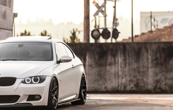 Picture lights, BMW, BMW, white, white, 335i, angel eyes, E92