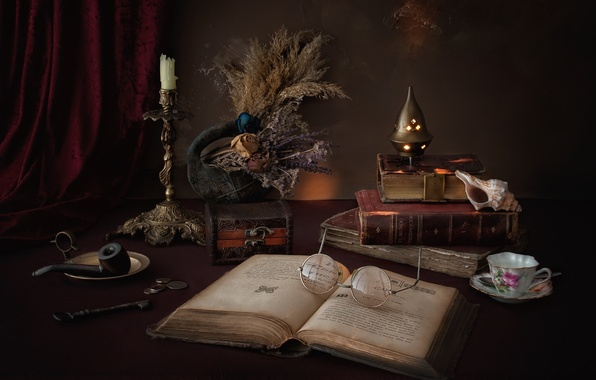 Picture books, candle, tube, key, shell, glasses, Cup, box, coins, still life, the dried flowers
