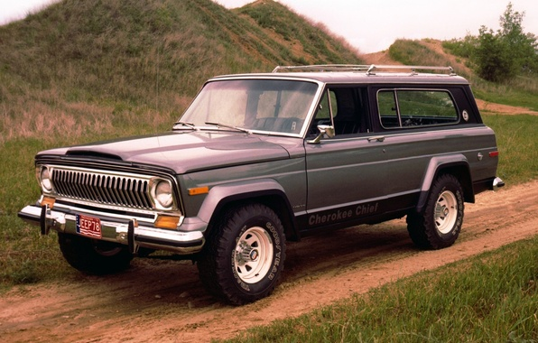 Picture road, background, hills, SUV, Jeep, the front, 1976, Jeep, Cherokee, Cheroke, Chief