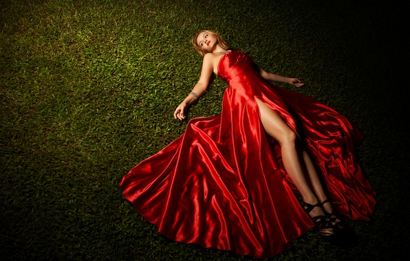 Picture grass, feet, model, red dress