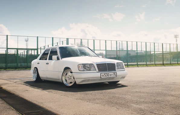 Picture mercedes, stance, w124