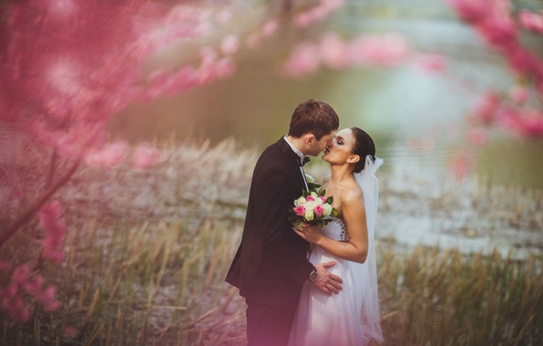 Picture girl, flowers, nature, background, pink, widescreen, Wallpaper, mood, woman, tenderness, watch, kiss, bouquet, pair, costume, …