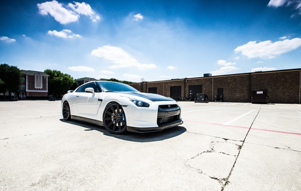 Picture white, cracked, shadow, nissan, Parking, white, Nissan, gt-r, GT-R, r35