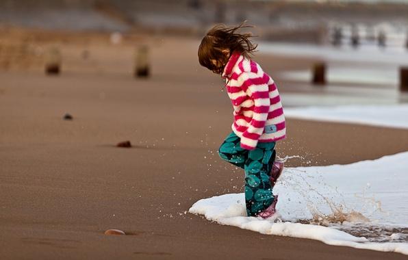 Picture sand, sea, water, squirt, children, mood, the ocean, shore, coast, girls, girl, kids, beaches, kids, …