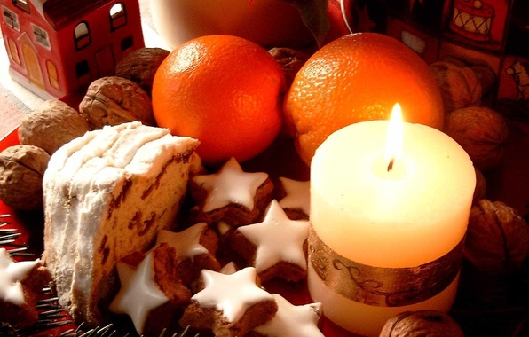 Picture candle, oranges, cookies