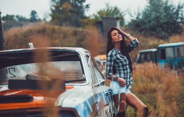 Picture sexy, shorts, legs, beauty, the temptation, photographer, posing, the junkyard, Martin Brest