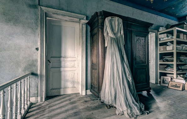 Picture dress, the door, pictures, wardrobe, urban exploration