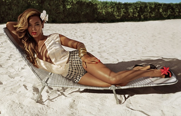 Picture beach, summer, girl, stay, shorts, lies, Beyonce Knowles, Beyonce