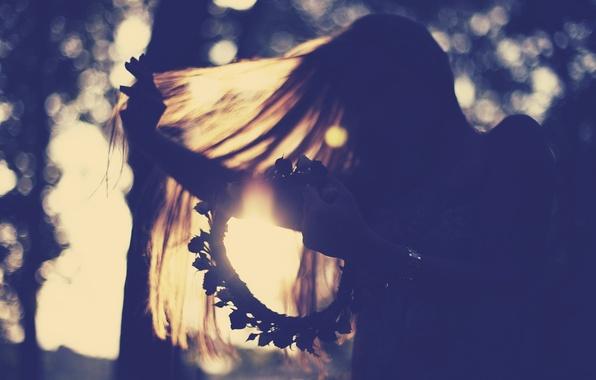 Picture flower, girl, the sun, light, flowers, background, movement, Wallpaper, mood, hair, wreath, netting, wallpapers, full …