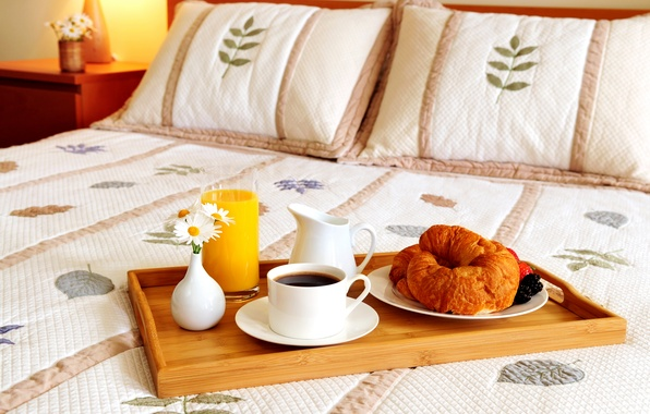 Picture flowers, berries, coffee, pillow, juice, mug, bed, vase, tray, croissants, decanter