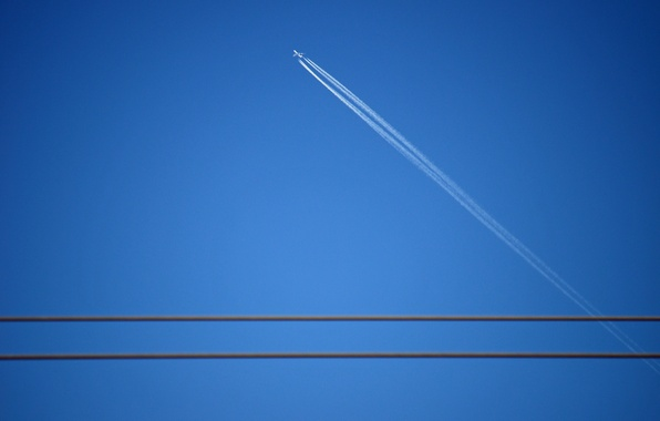 Picture the sky, minimalism, the plane