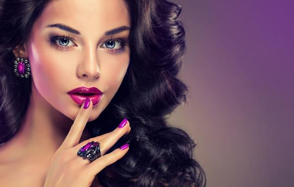 Picture fashion, brunette, makeup