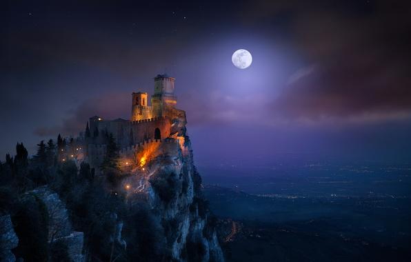 Picture light, night, the moon, tower, fortress, San Marino, the Monte Titano, Guaita