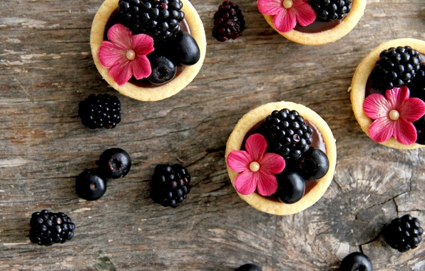 Picture flowers, food, blueberries, cream, dessert, flowers, sweet, sweet, cream, dessert, tartlets, blueberries, blackberries, BlackBerry, tarts