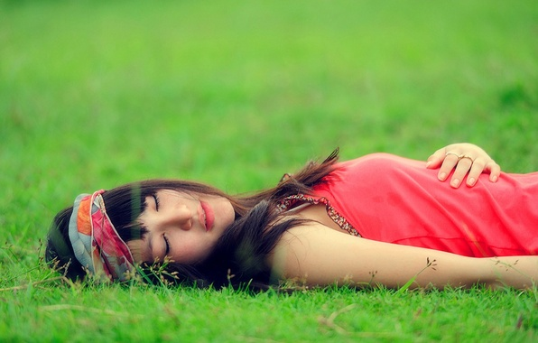 Picture grass, leaves, girl, background, situation, stay, Wallpaper, brunette, meadow, sleeping, wallpapers