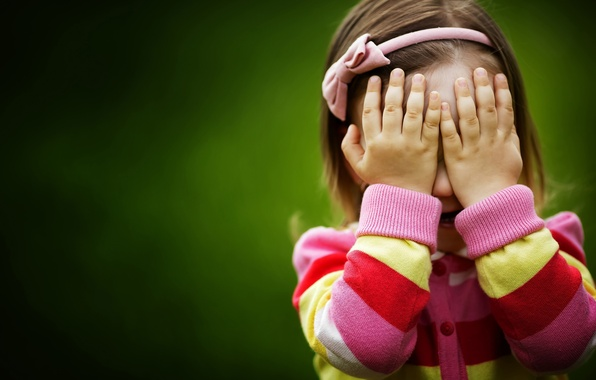 Picture children, green, background, widescreen, Wallpaper, mood, the game, child, hands, girl, hide and seek, wallpaper, …