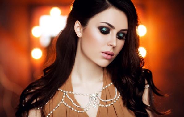Picture lights, portrait, makeup, brunette, hairstyle, beads, beautiful, bokeh, Julia Pushman