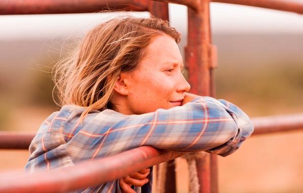 Picture the film, Australia, Tracks, MIA Wasikowska, Trails
