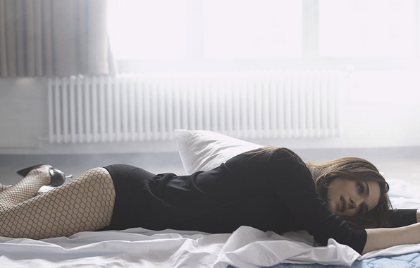 Picture BED, SHOES, STOCKINGS, BROWN hair, ROOM, LINEN, WINDOW, LIGHT, PILLOW