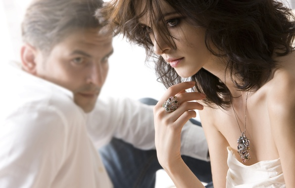 Picture girl, decoration, mood, woman, feelings, brunette, ring, pair, pendant, male, guy, suspension