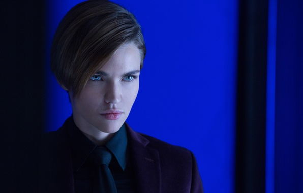 Picture cinema, wallpaper, girl, hitman, green eyes, woman, beautiful, short hair, pretty, movie, face, assassin, film, …