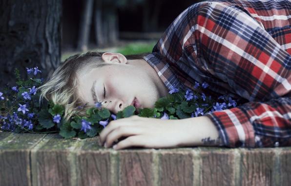 Picture flowers, sleep, guy