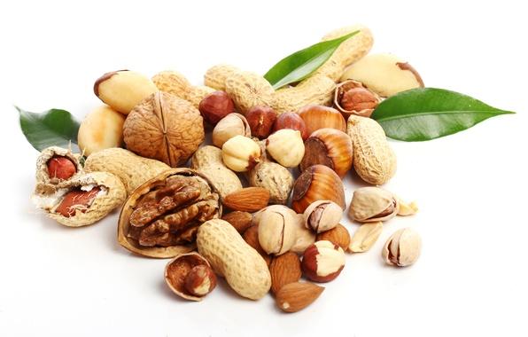 Picture nuts, almonds, hazelnuts, peanuts, pistachios, walnut