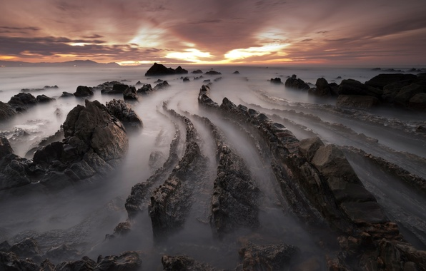 Picture winter, sea, beach, the sky, clouds, sunset, stones, rocks, the evening, excerpt, Spain, February, Barrika
