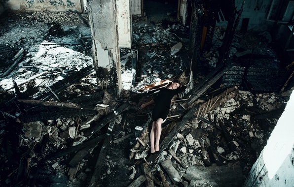 Picture look, girl, pose, garbage, model, portrait, dress, brunette, shoes, lies, devastation, light, young, russian, Mike …