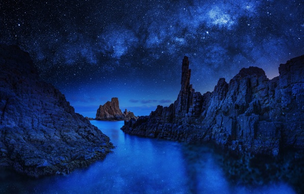 Picture rocks, stars, Blue Monolith